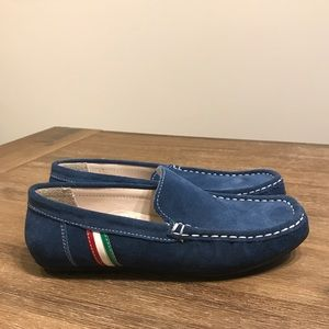 Other - Like NEW! Suede loafers